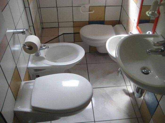Bad real estate listing photos two toilets